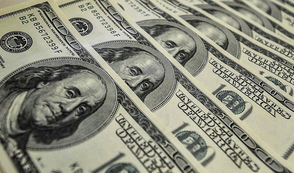 Dólar sobe 17% no primeiro semestre