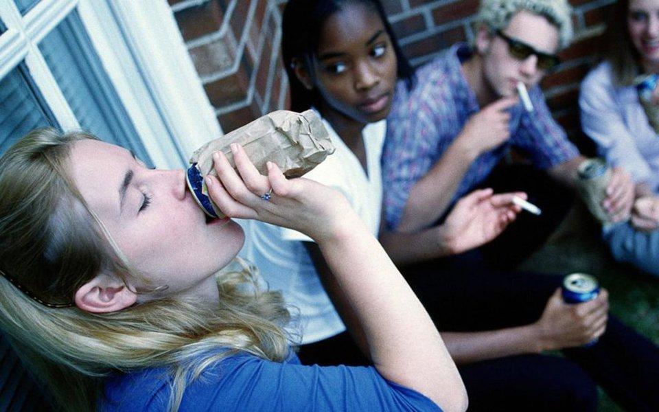 A Islândia sabe como acabar com as drogas entre adolescentes. Mas o resto do mundo não escuta