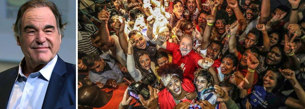 """Oliver Stone assina o manifesto """"Eleição sem Lula é fraude"""""""
