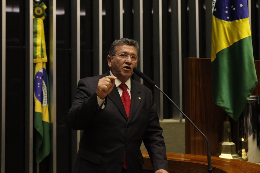 Caetano detona Temer por veto ao Refis das microempresas