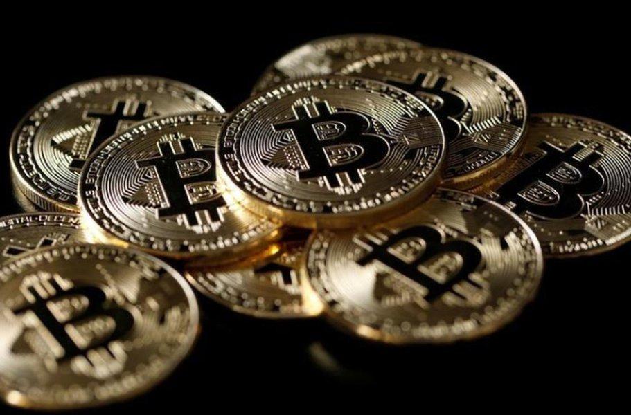 Especuladores aumentam posição de venda líquida do bitcoin na semana, diz CFTC