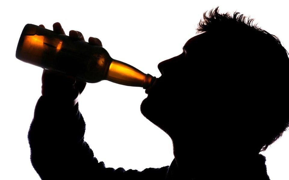 Consumo de álcool. Estudo revela como ele atinge o DNA e aumenta o risco de câncer