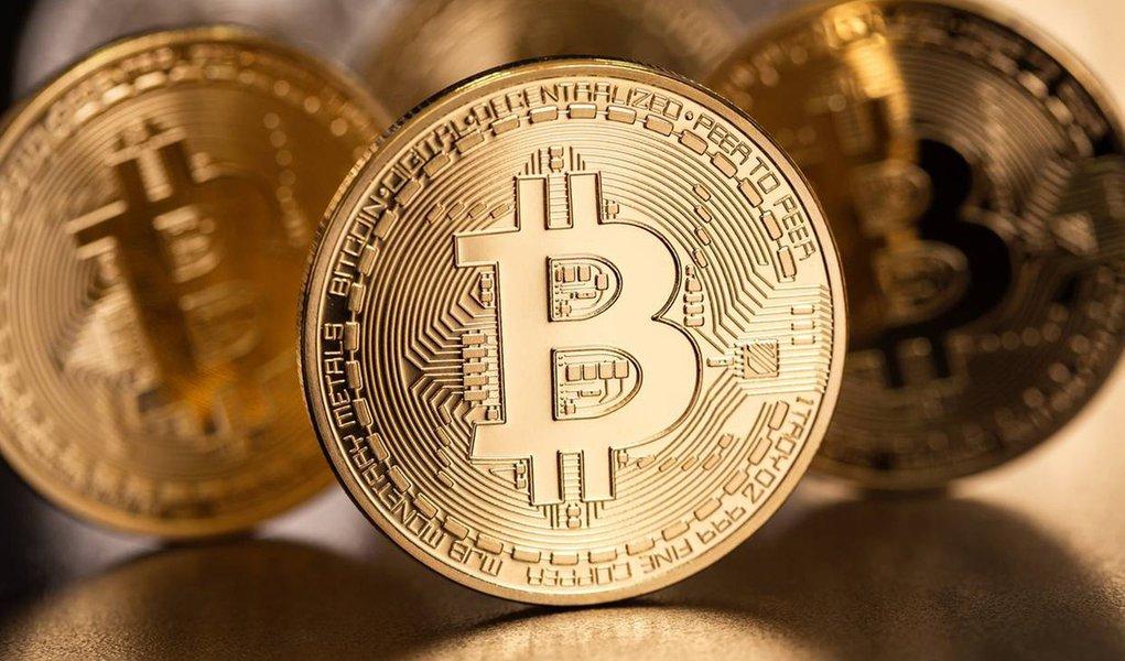 Bitcoin cai abaixo de US$6 mil; perde metade de seu valor em 2018