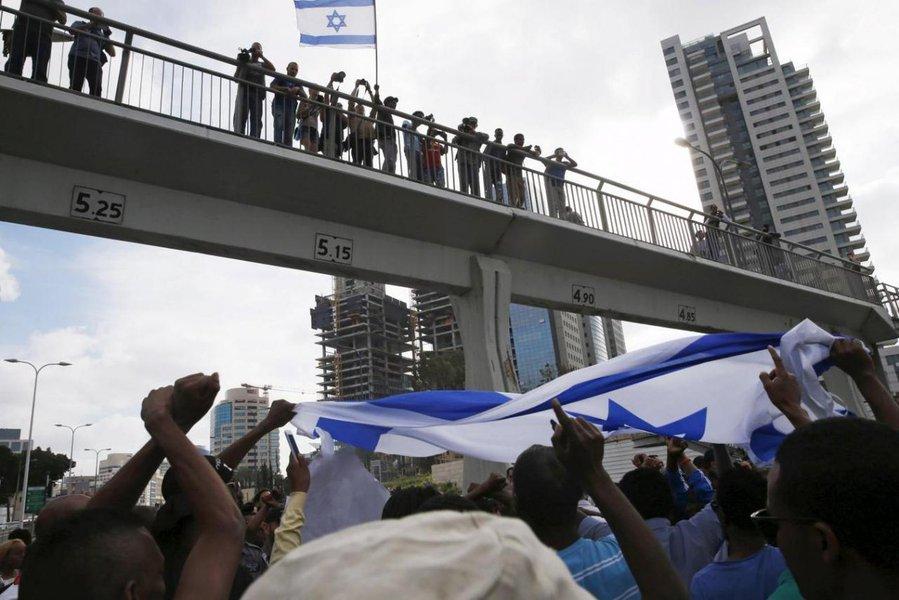 Israel dá prazo de 60 dias para imigrantes africanos deixarem o país