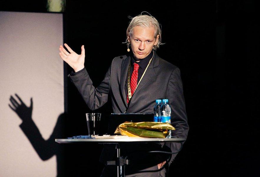 Tribunal britânico nega pedido para anular mandado de prisão contra fundador do Wikileaks