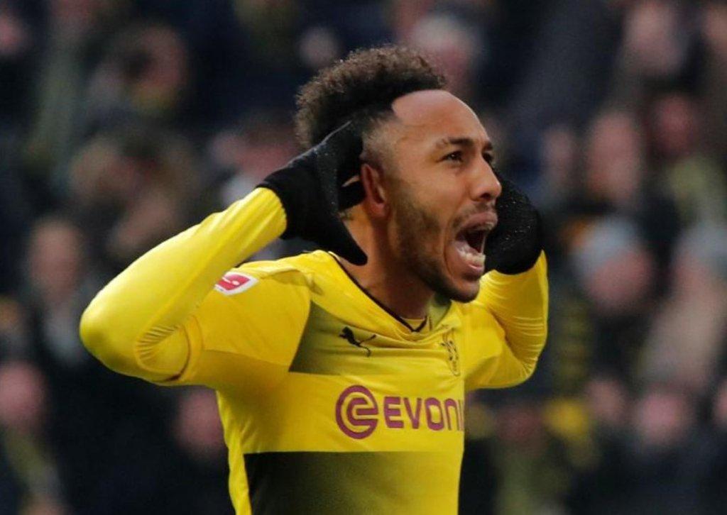 Arsenal contrata atacante Aubameyang do Borussia Dortmund por valor recorde