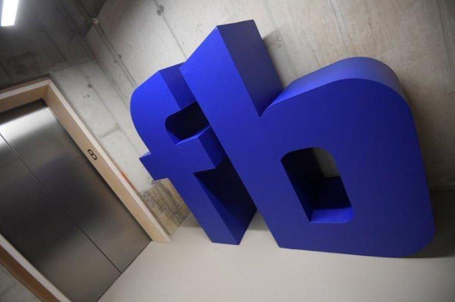 Equipe de Mueller interrogou empregado do Facebook em processo sobre Rússia, diz revista