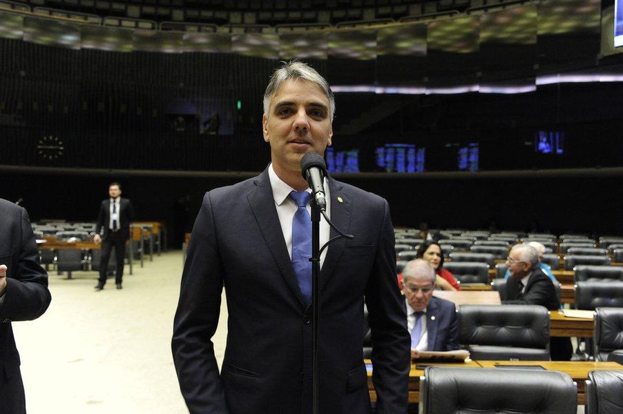 Deputado diz ter liberado R$ 15 mi para a educação sergipana