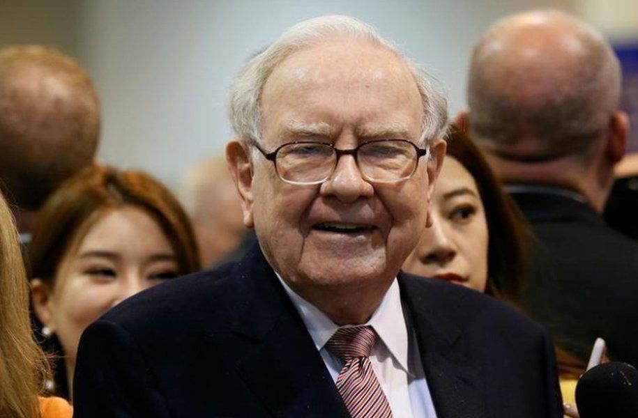 Warren Buffett diz que nunca investirá em criptomoedas