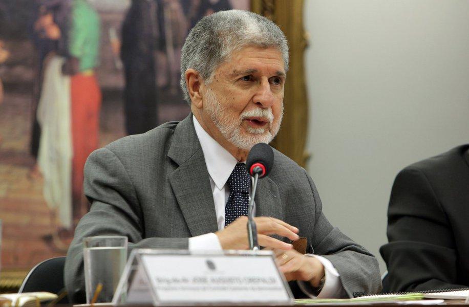 Perseguição a Lula será denunciada na Europa por Celso Amorim