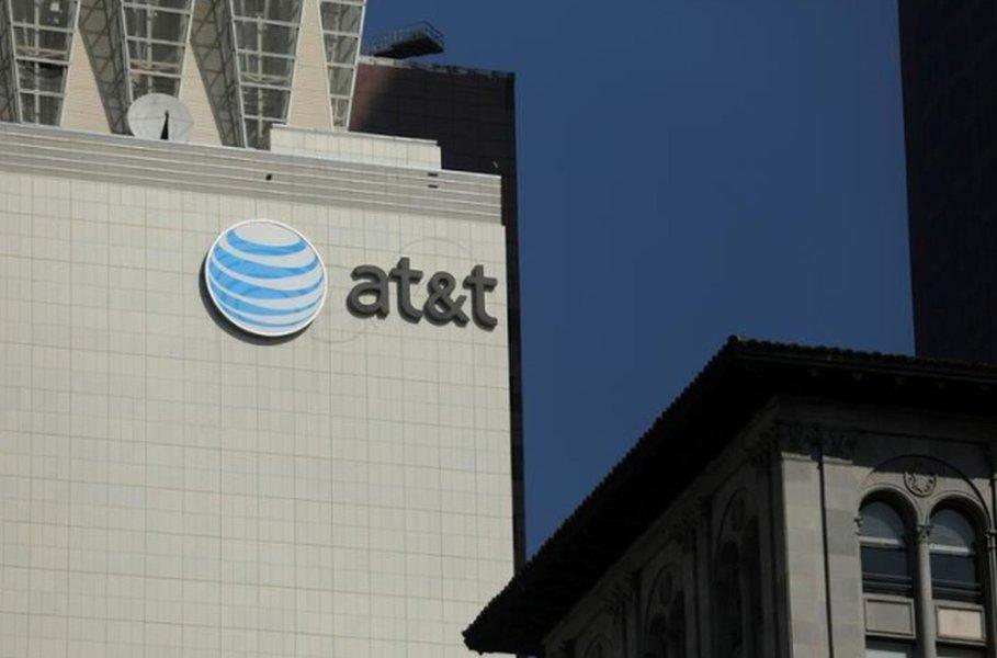AT&T avalia IPO de participação na DirecTV Latin America