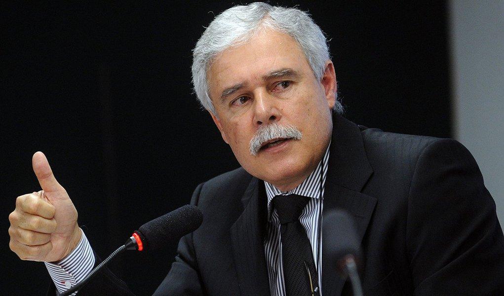Venda da Eletrobras é um desastre para o País, diz ex-ministro