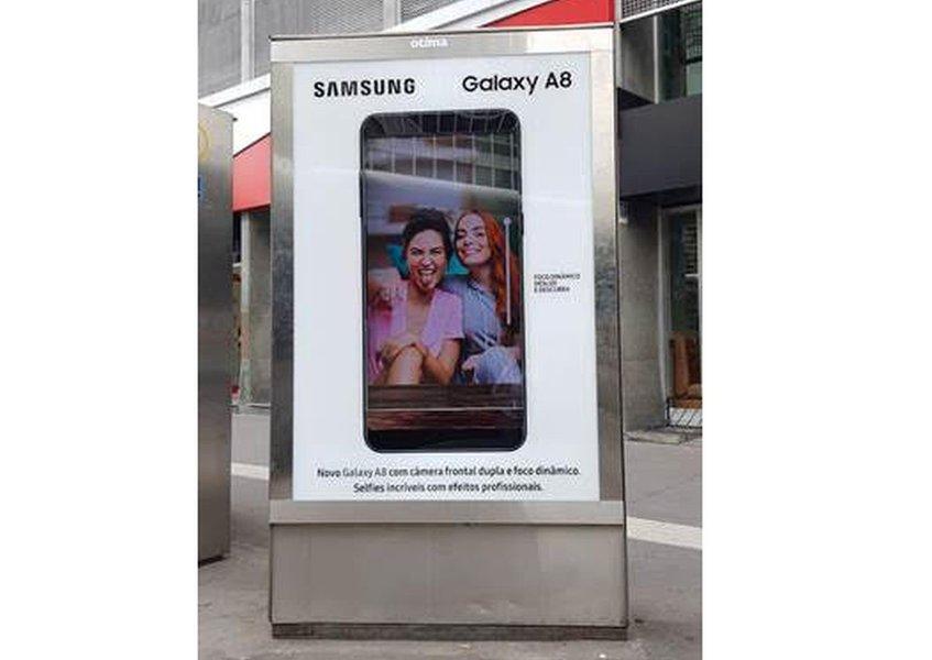 Samsung realiza ação para o Galaxy A8 na Avenida Paulista