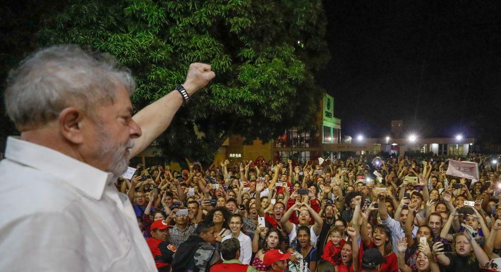 Mesmo após atentado, Lula continuará viajando o Brasil
