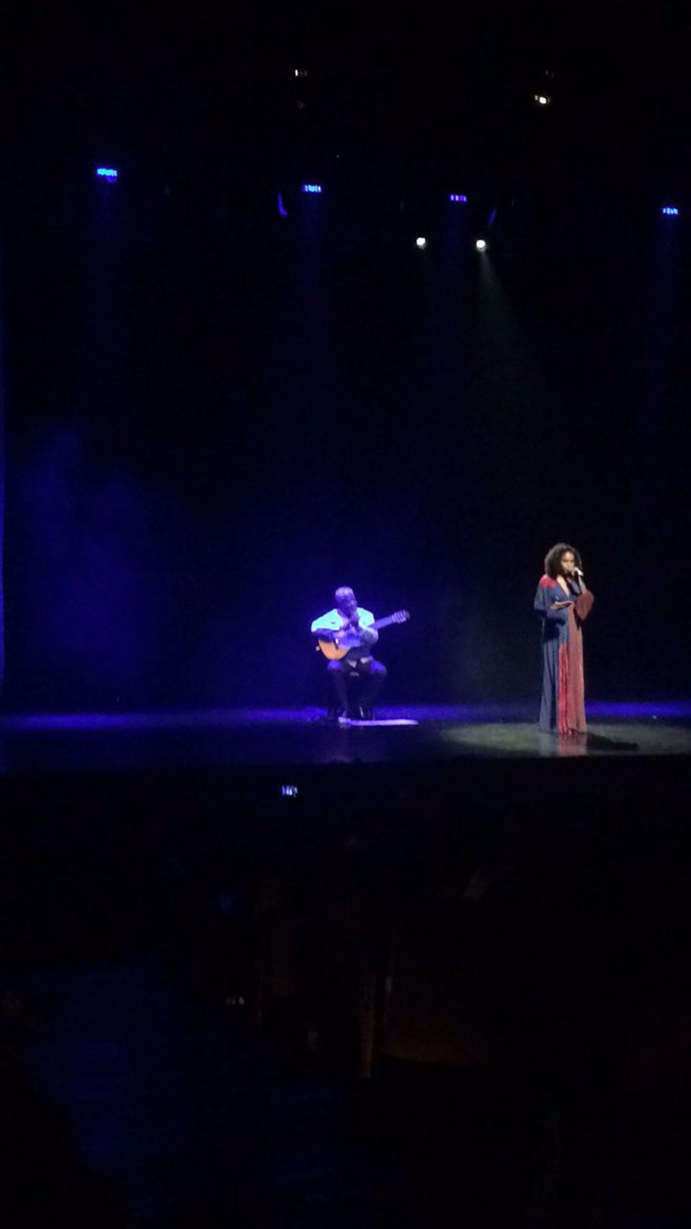 """Teresa Cristina homenageia Marielle, Alfredinho e manda um """"Seja breve"""" para Temer"""