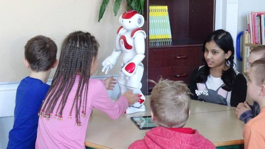 Professores tecnológicos: escola finlandesa testa robôs educadores