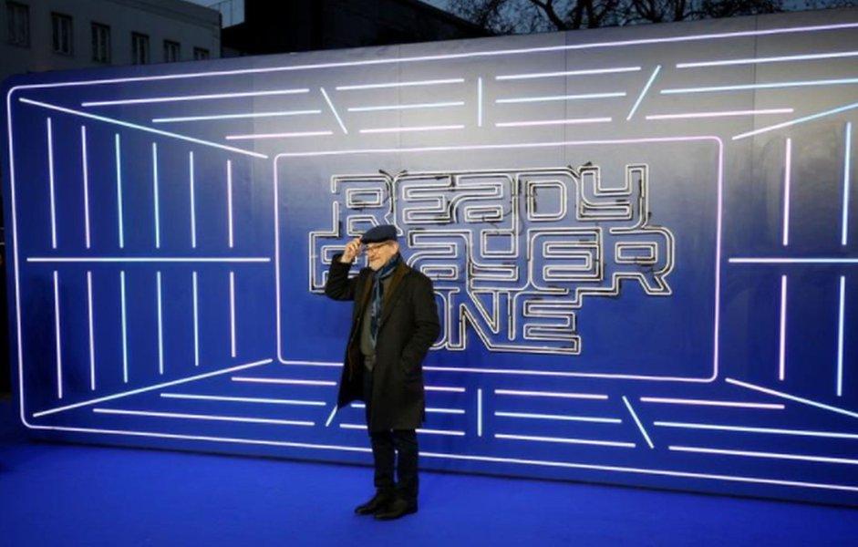 """Realidade virtual se encontra com o cinema em """"Jogador Nº 1"""" de Spielberg"""