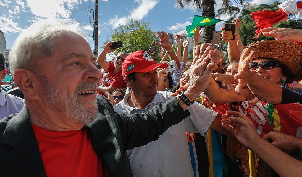 Ipsos: Lula é o político mais aprovado no Brasil