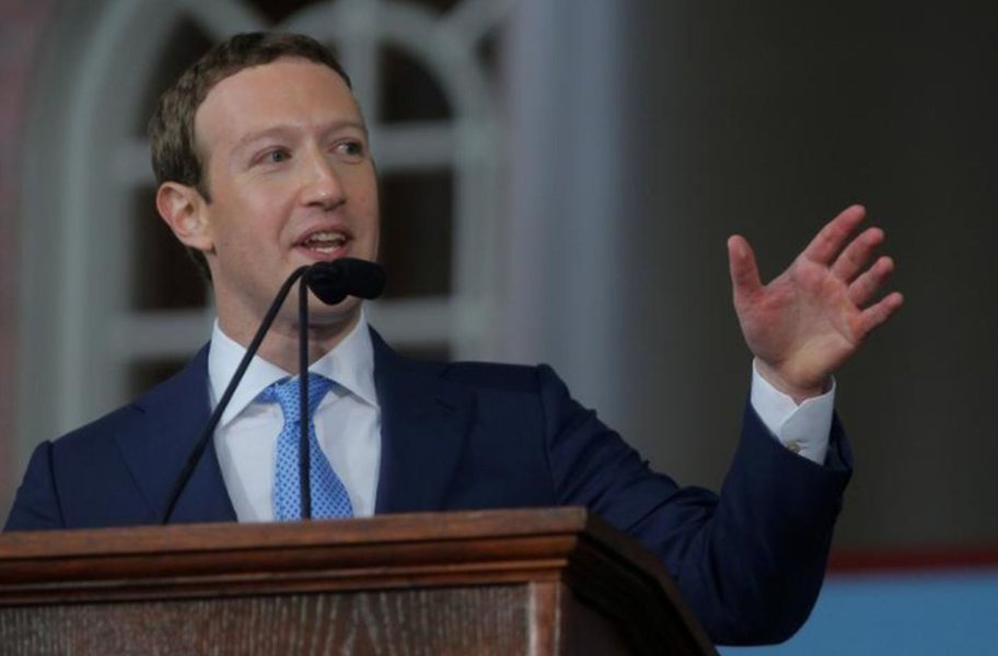 Zuckerberg reconhece erro em manipulação de dados de usuários do Facebook e promete restrições