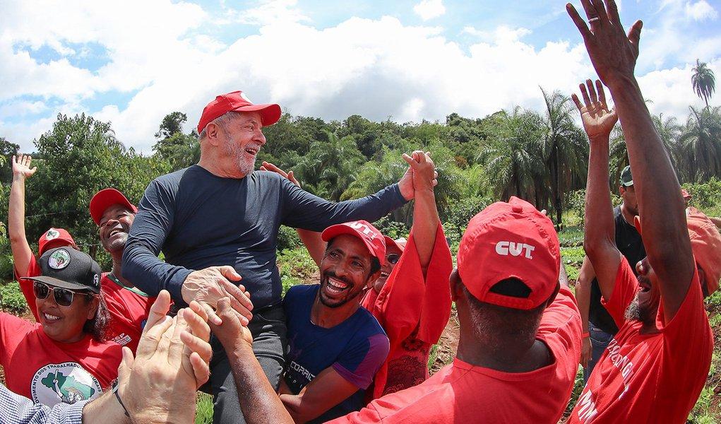 Lula vai propor reduzir imposto dos pobres e aumentar o dos ricos