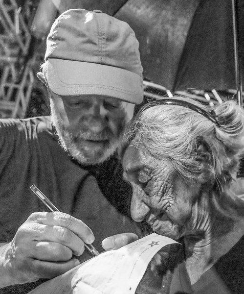 Aos 107 anos, Dona Bia Linhares se filia ao PT