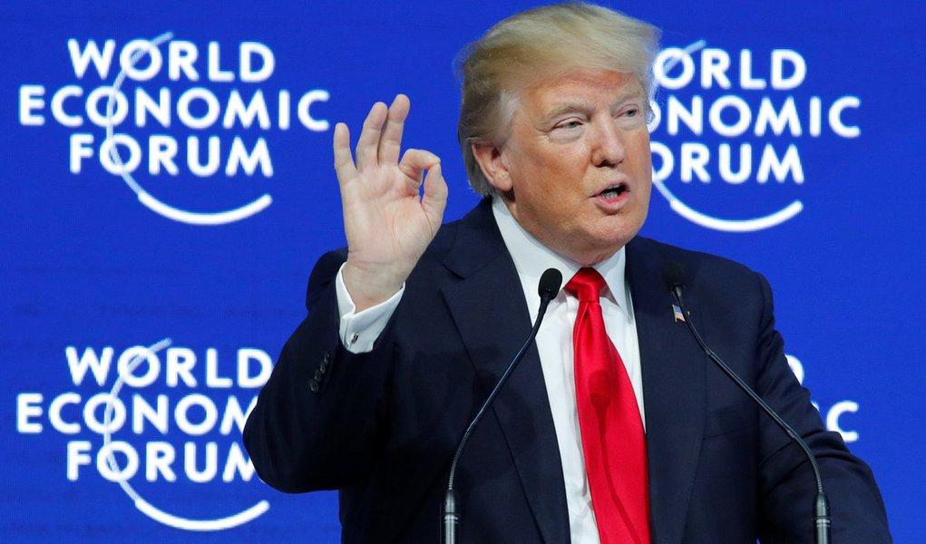 Trump diz que construção de muro com o México começará imediatamente