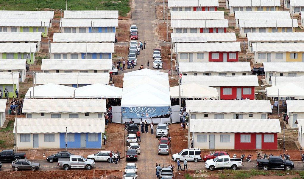 Movimento sociais criticam Globo por criminalização do Minha Casa, Minha Vida