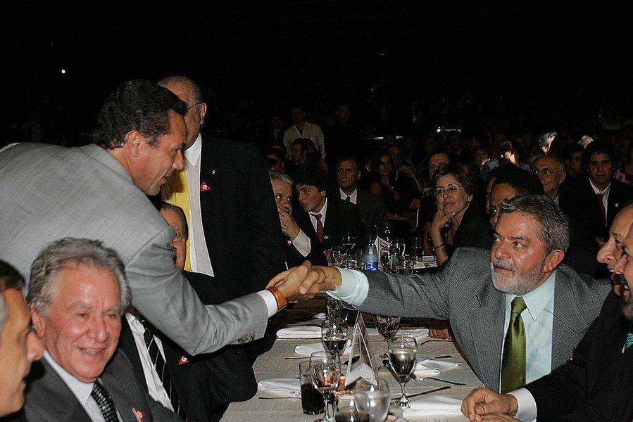 Ex-técnico da Seleção critica Moro e diz que sempre defenderá Lula