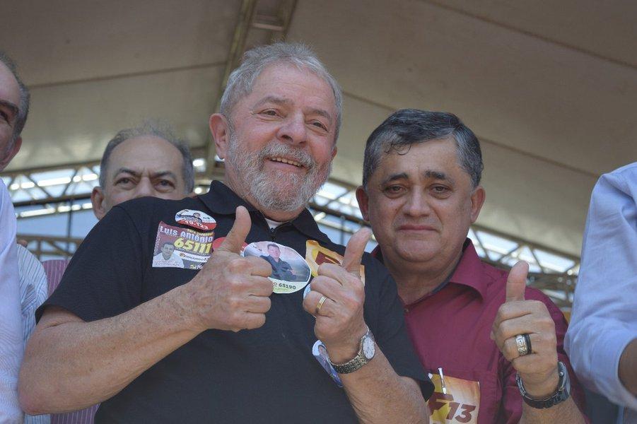 Guimarães avalia que alianças em torno da candidatura de Lula estão evoluindo bem