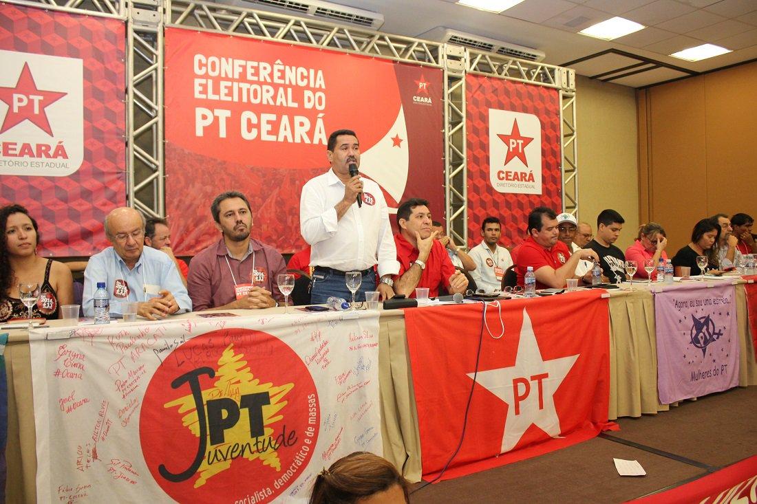 PT Ceará reúne pré-candidatos para tratar sobre coligação
