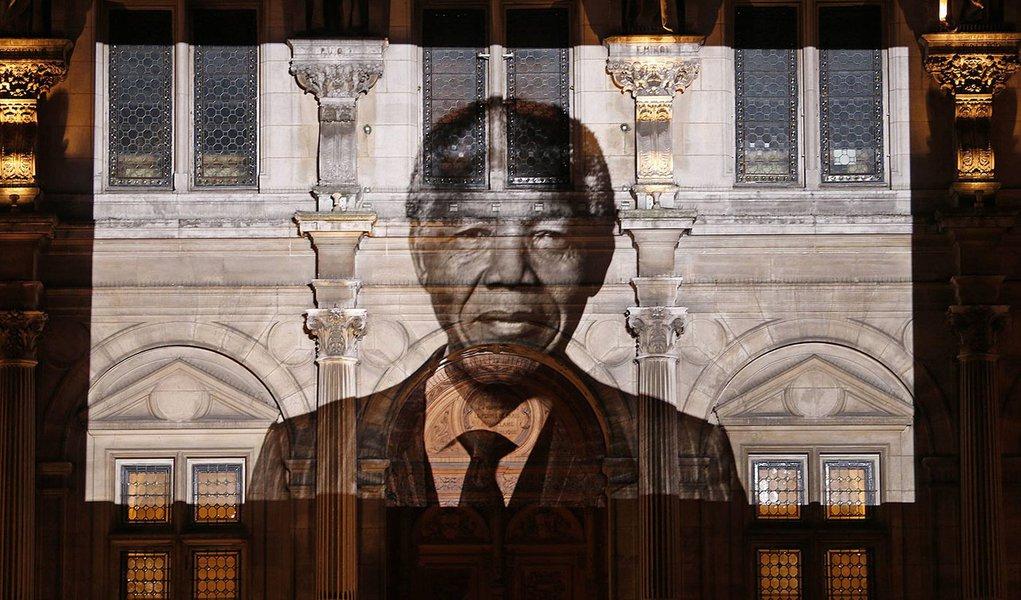 Cartas de Mandela revelam estadista sem ressentimento