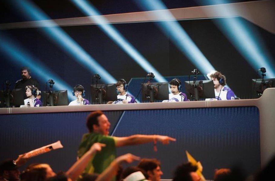 Activision firma acordo com ESPN e Disney XD para transmitir ao vivo a liga de esportes eletrônicos de Overwatch