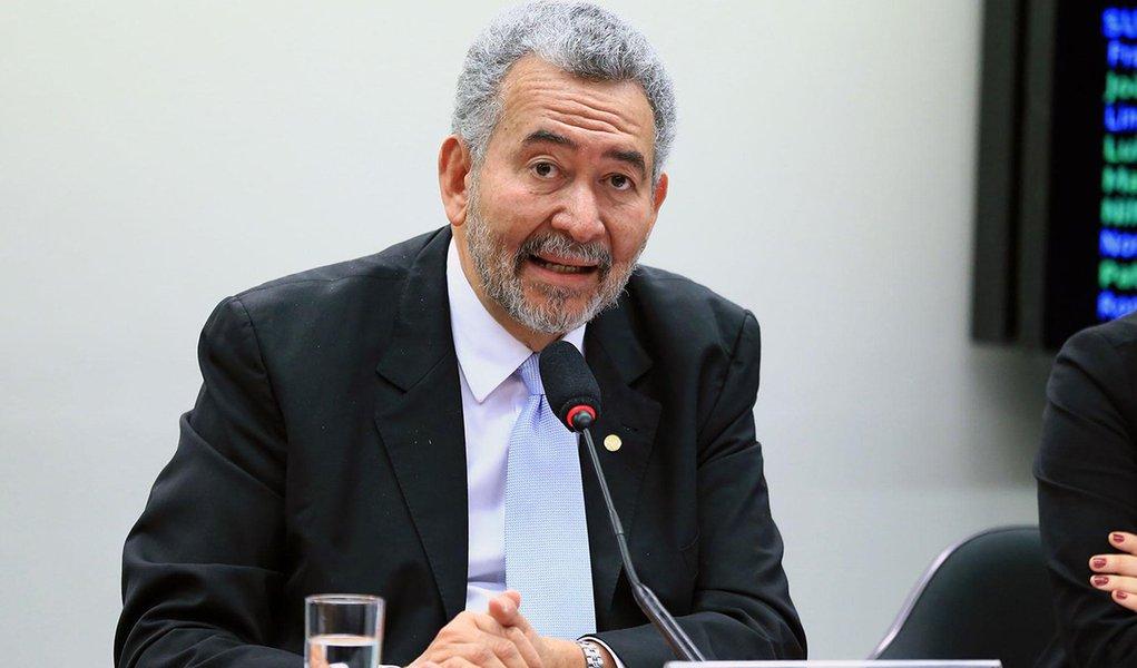 Deputado Paulão sobre Judiciário e PF: a máscara caiu