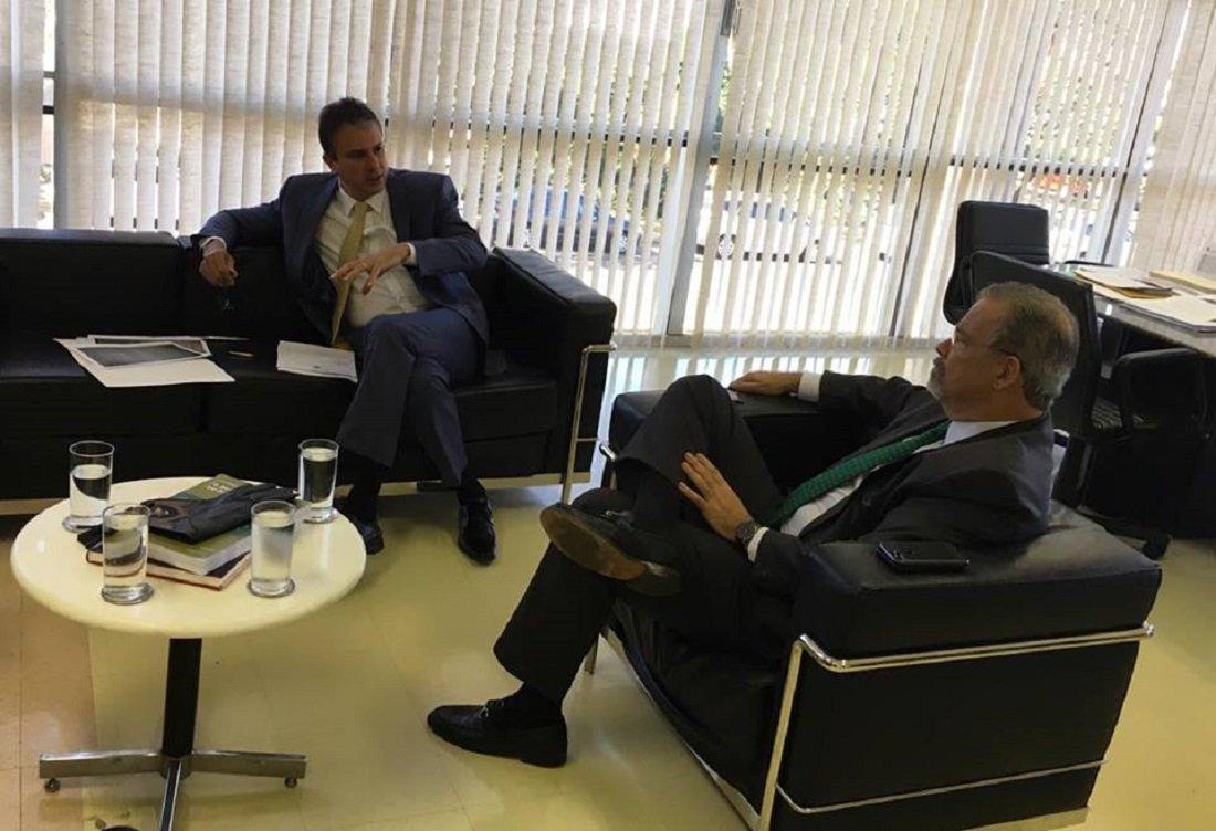 Governador trata, em Brasília, da implantação do Centro de Inteligência do Nordeste