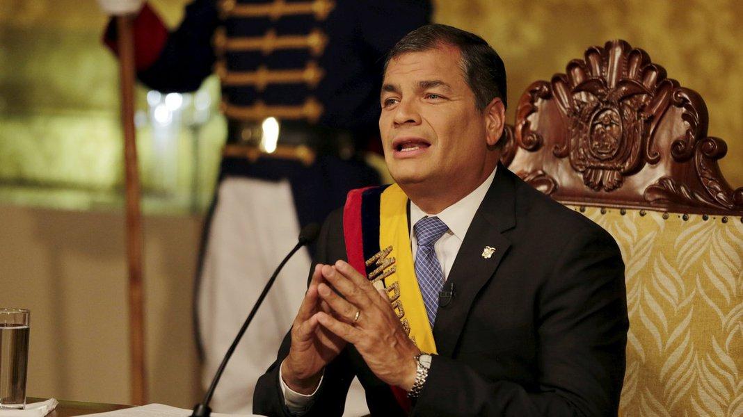 A direita traiçoeira ataca a Rafael Correa