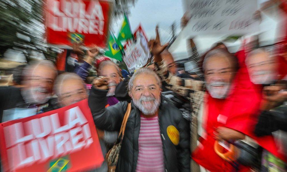 Lula Livre é grito preso na garganta do Brasil