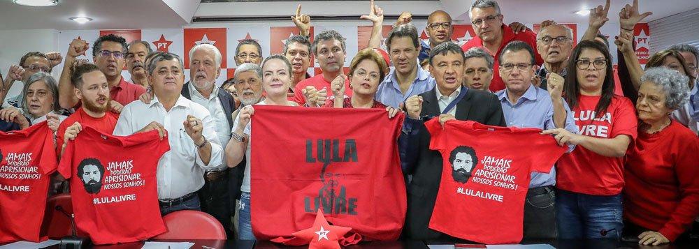 """""""Vamos reforçar as mobilizações pela liberdade de Lula"""", afirma Gleisi"""