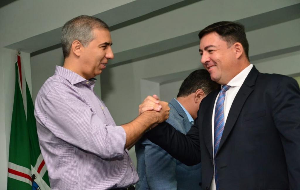 Em evento com Vitti, governador liberar emendas parlamentares