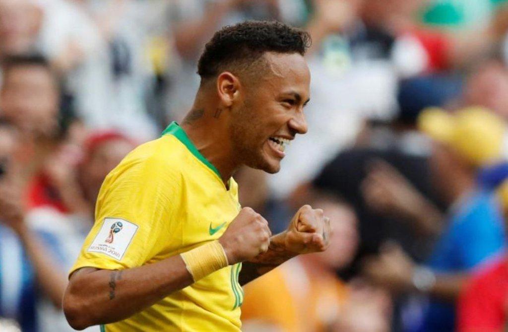 Foram as críticas, e não o puxa-saquismo, que ajudaram Neymar a melhorar na Copa