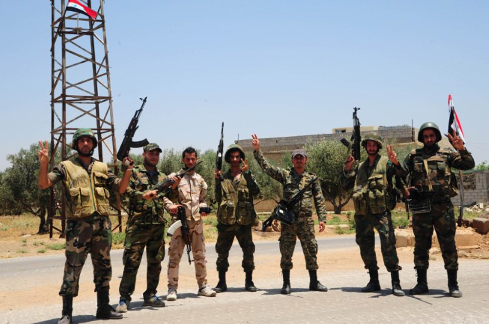 Defesa síria abate avião de combate israelense