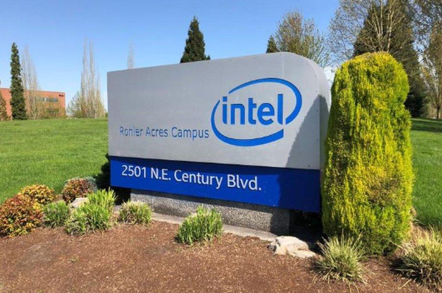 Ex-executiva da Intel deixa cargo no Google enquanto fabricante de chips busca novo CEO
