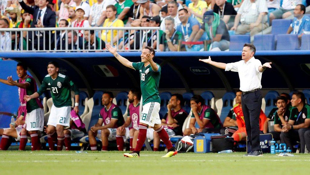 Osório vê 'palhaçada' em lance com Neymar e diz que futebol é para 'homens'