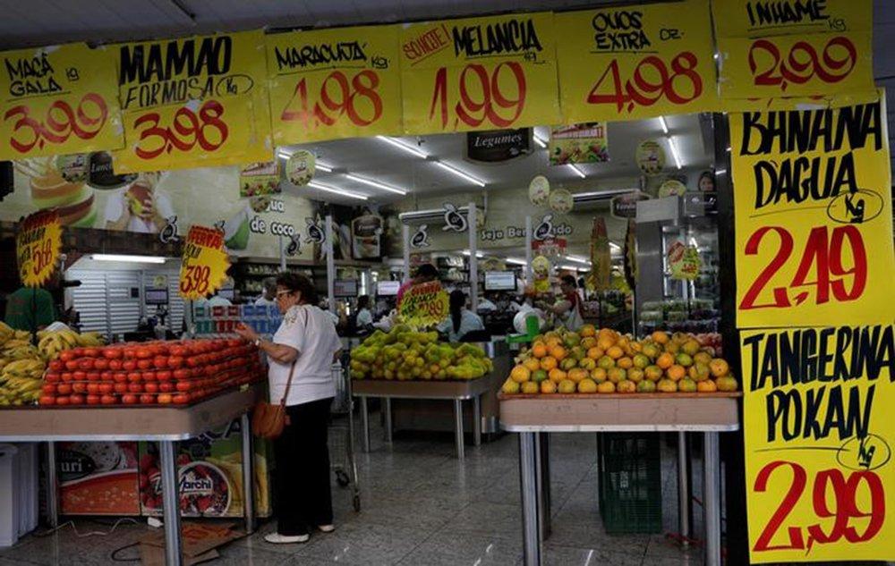 Mercado volta a elevar estimativa de inflação e mantém 'pibinho'