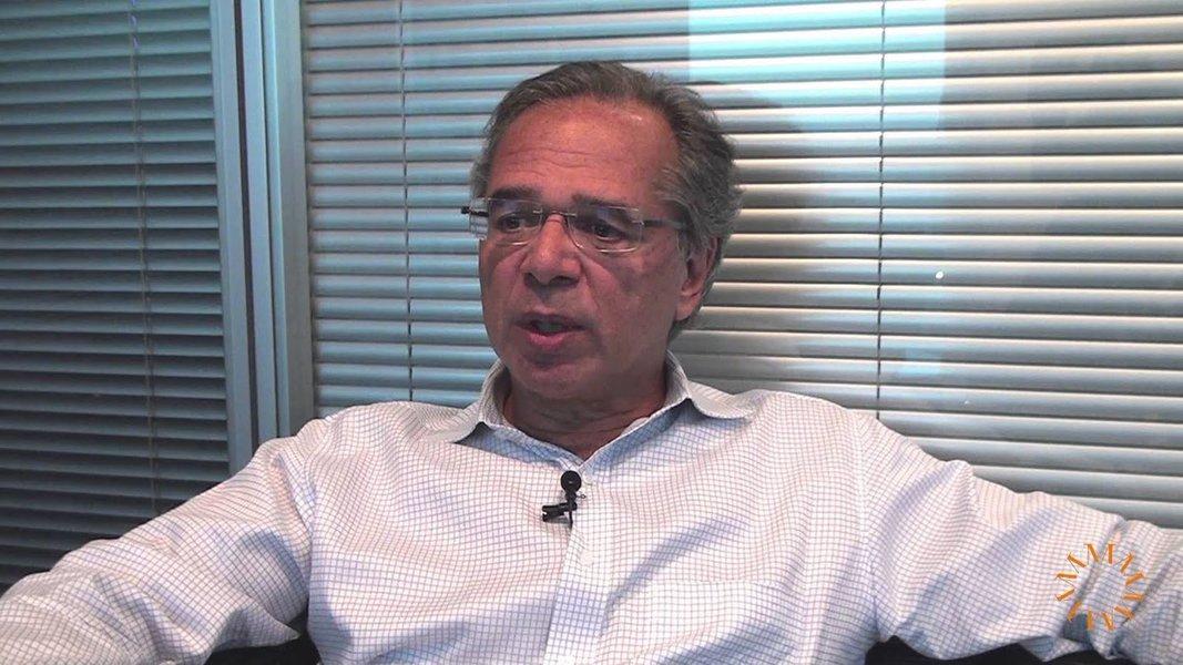 Economista de Bolsonaro planeja aprofundar teto de gastos e privatizar