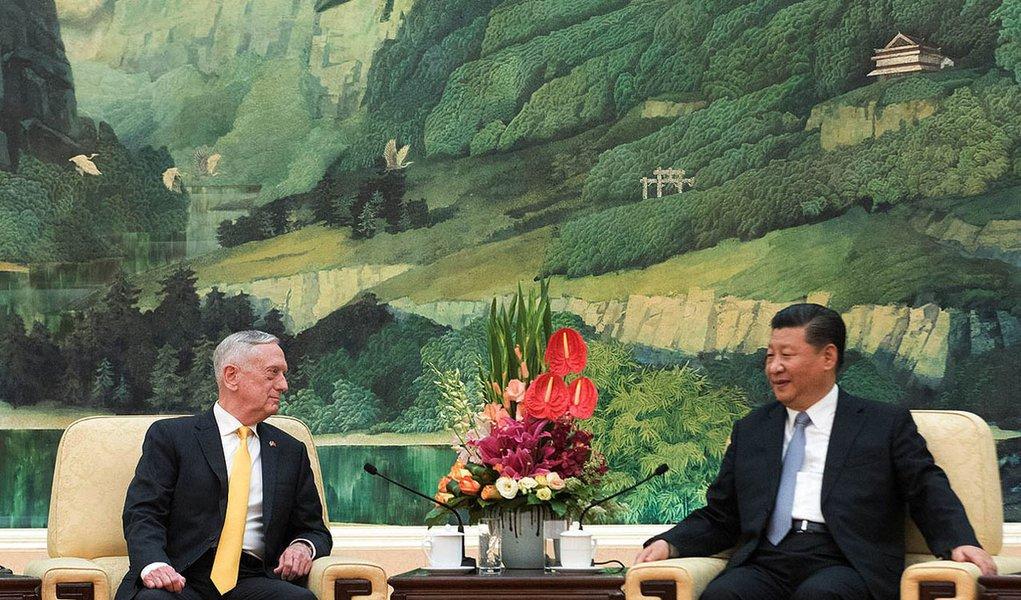Xi Jinping recebe em Pequim secretário da Defesa dos EUA