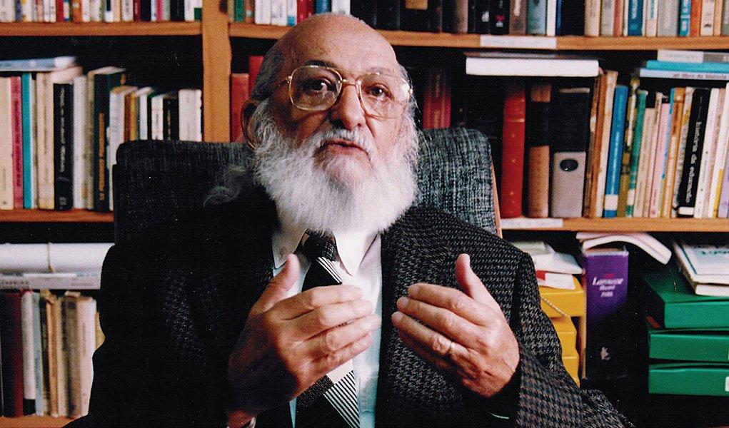 Lei que torna Paulo Freire 'Patrono da Educação Paulistana' é sancionada