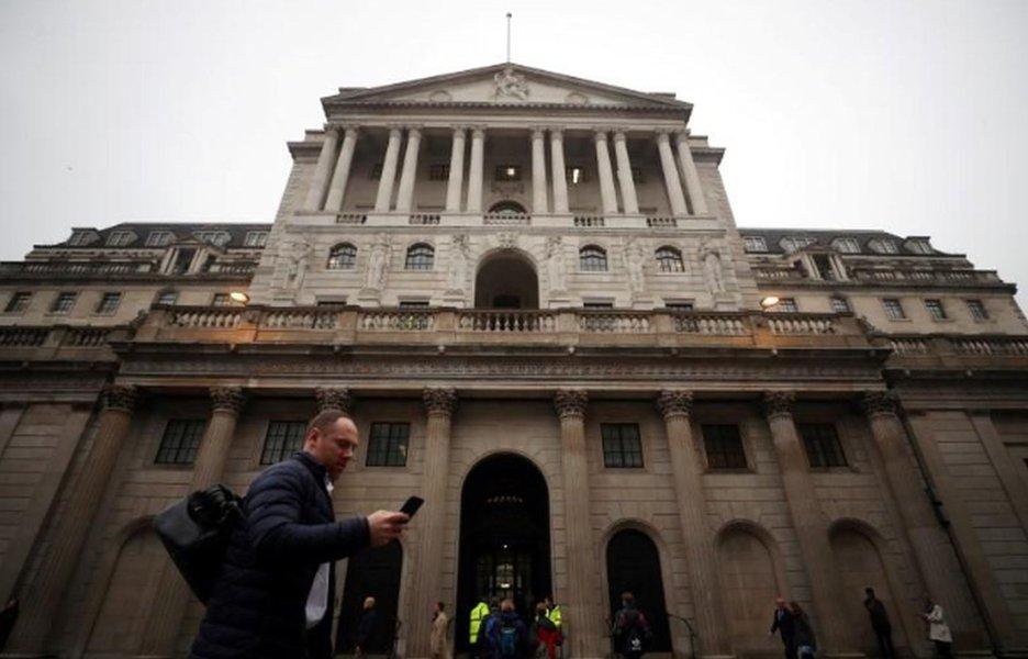 Regulador britânico diz a bancos e seguradoras para terem cuidado com criptoativos