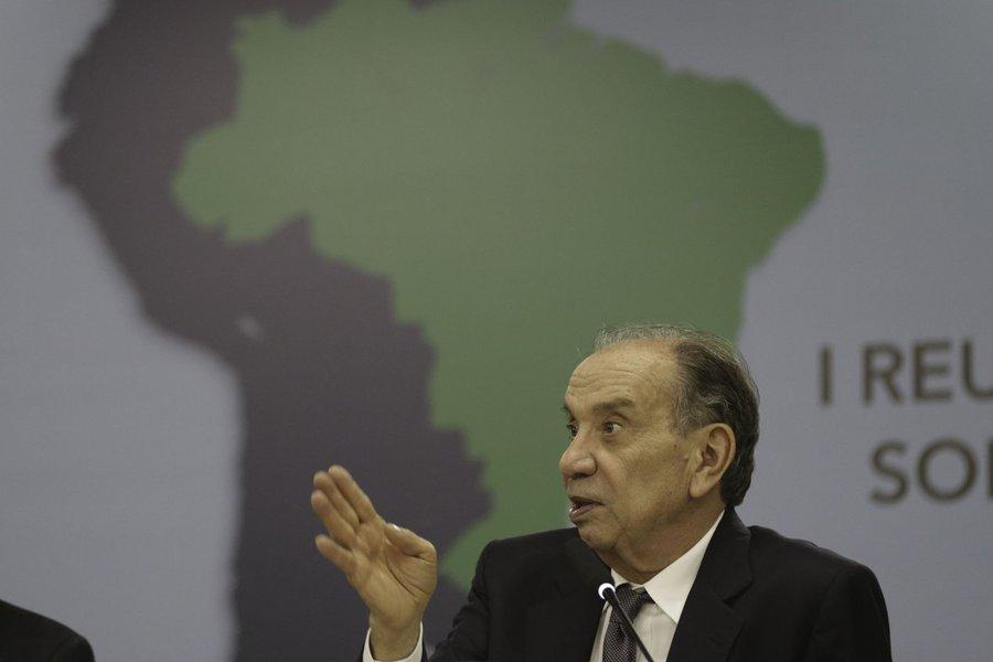Acordo entre Mercosul e UE não deve ser muito ambicioso, diz ministro