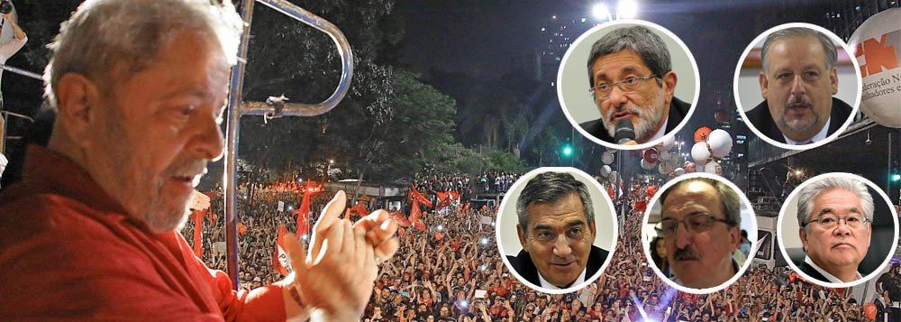 Lula indica membros da coordenação de campanha