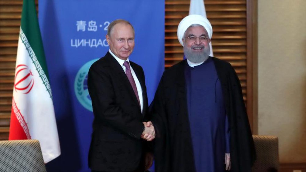Em encontro com Putin, presidente do Irã diz que saída dos EUA do acordo nuclear é ilegal